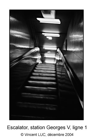 Galerie Photo : Aller et revenir : Metro de Paris, Georges V, Photo noir et blanc © Vincent LUC