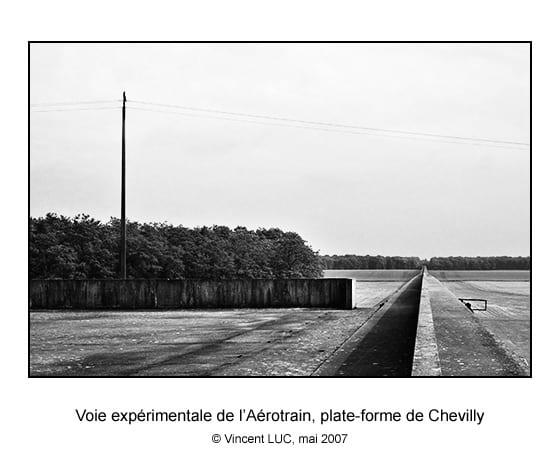 Voie de l Aerotrain experimental i80, plate forme de Chevilly, direction Sud