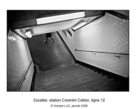 Galerie photo : Aller et revenir... photo du métro de Paris, Corentin celton, ligne 12, photo noir et blanc © Vincent LUC